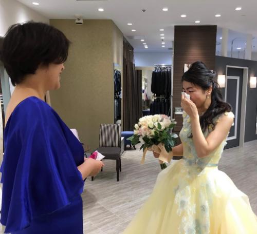 花嫁が突然泣き出した!その理由とは?